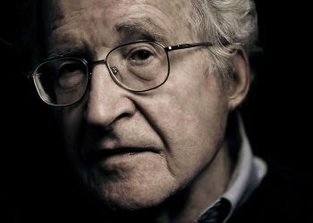 FOTO: Chomsky (ineteconomics.org)