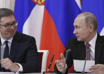 FOTO: Vučić, Putin (Public)