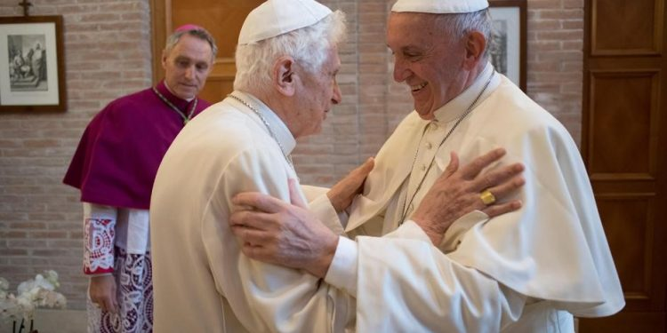 FOTO: Franjo, Benedikt XVI ( ©SERVIZIOFOTOGRAFICOOR/IPA)