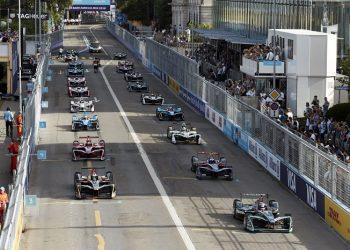 FOTO: Cirih je dozvolio nedavnu uličnu trku jer su automobili bili električni. (Elisabeth Real za NYT)