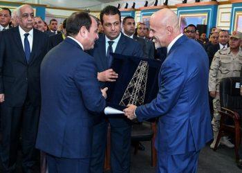 FOTO: Al-Sisi, Descalzi (AFP)