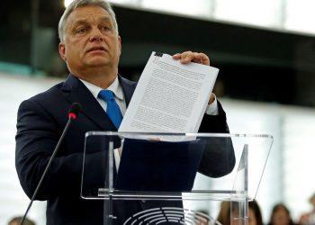 FOTO: Orban (REUTERS/Vincent Kessler)