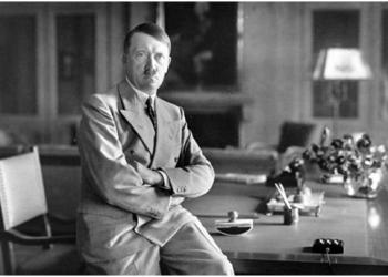 FOTO:Hitler (WIKIPEDIA)