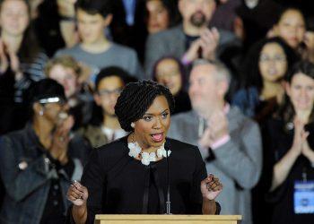 FOTO: Ayanna Pressley (AFP)