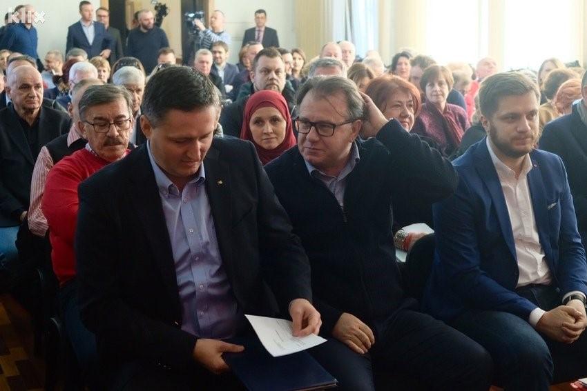 NIKŠIĆ POČINJE DA VLADA 'ČVRSTOM RUKOM': Bećirović bi mogao 'doći do izražaja' kroz funkciju zamjenika predsjednika, ukida se i princip 'jedan čovjek-jedan glas'?