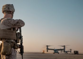 FOTO: (U.S. Marine Corps photo by Cpl. Carlos Lopez)