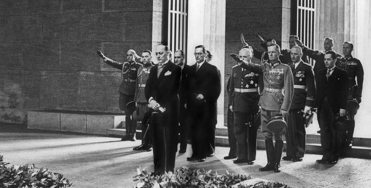 FOTO: Ivo Andrić u Berlinu kao izvanredni poslanik 1938. (ARHIVA ŠKOLSKE KNJIGE)