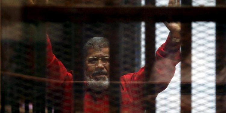 FOTO: Morsi na sudu nakon što je svrgnut kao predsjednik (Reuters)