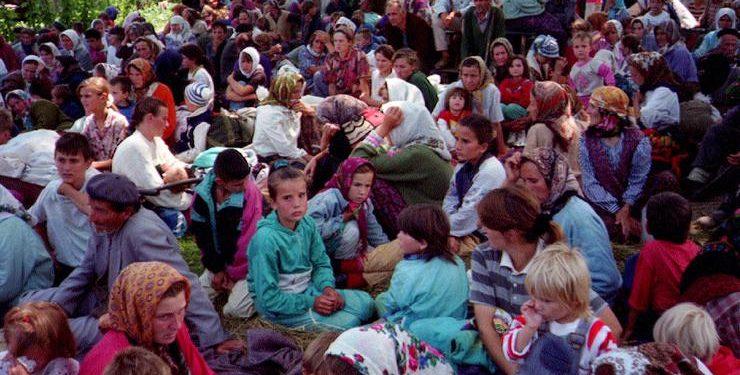 FOTO: Izbjeglice iz Srebrenice (REUTERS)