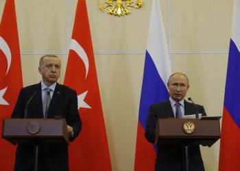 FOTO: Erdogan, Putin (Agencije)